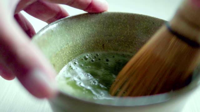 matcha tea - grüner tee stock-videos und b-roll-filmmaterial