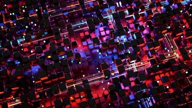 vídeos y material grabado en eventos de stock de matriz de cubos y que brilla intensamente datos grandes corrientes de animación 3d render de bucle sin interrupción - equipo informático
