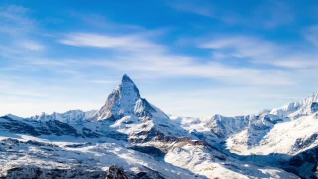 stockvideo's en b-roll-footage met matterhorn zermatt in zwitserland - zermatt