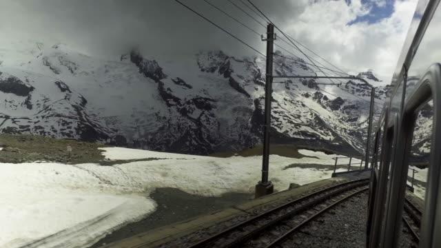 stockvideo's en b-roll-footage met matterhorn-zermatt trein station - zermatt