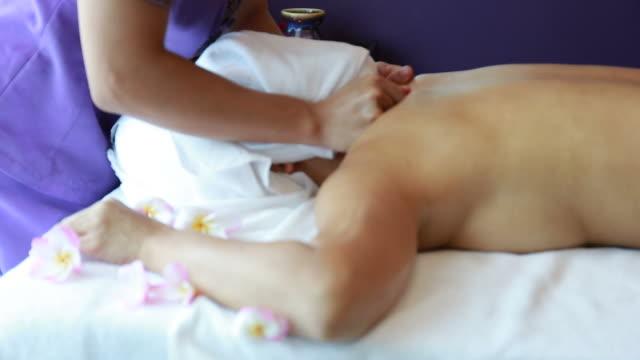 femme mûre faire traitement - Vidéo