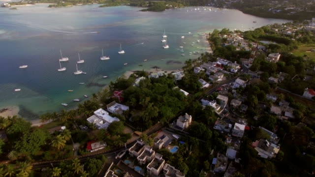 mauritius island and yachts in the bay, aerial view - isole mauritius video stock e b–roll