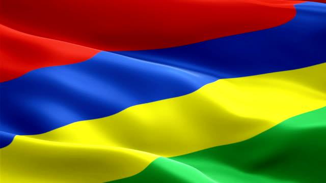 video motion loop della bandiera dell'isola di mauritius che sventola nel vento. sfondo realistico della bandiera mauriziana. mauritius flag looping primo piano 1080p full hd 1920x1080 filmati. mauritius ue paese europeo batte video per film,notizie - isole mauritius video stock e b–roll
