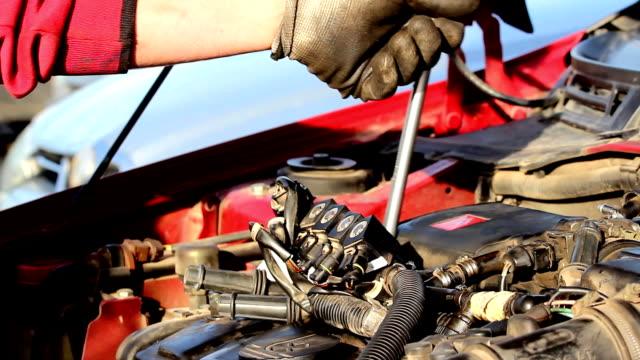 Mechanic hands video