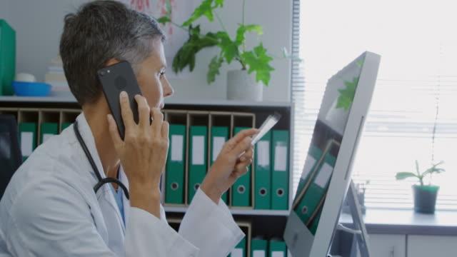 медицинский работник на работе - doctor стоковые видео и кадры b-roll