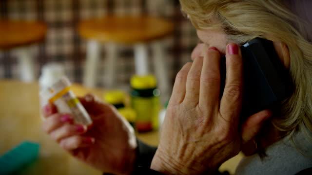 薬剤リフィル-電話 - 処方箋点の映像素材/bロール