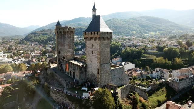 medieval fortress chateau de foix on hill, france - francja filmów i materiałów b-roll