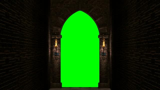 vídeos de stock, filmes e b-roll de loop de portão medieval com tela verde - castelo