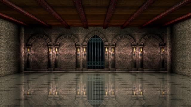 vídeos de stock, filmes e b-roll de salão medieval com portão de ferro 4k - castelo