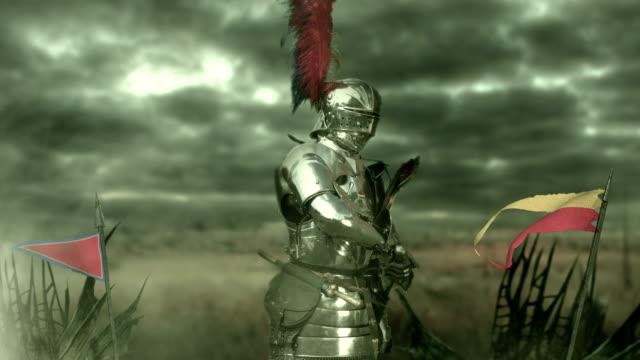 средневековый рыцарь - sword стоковые видео и кадры b-roll