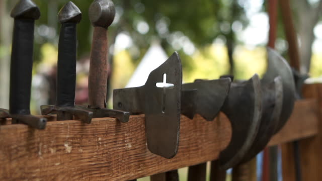 中世紀騎士武器 - sword 個影片檔及 b 捲影像