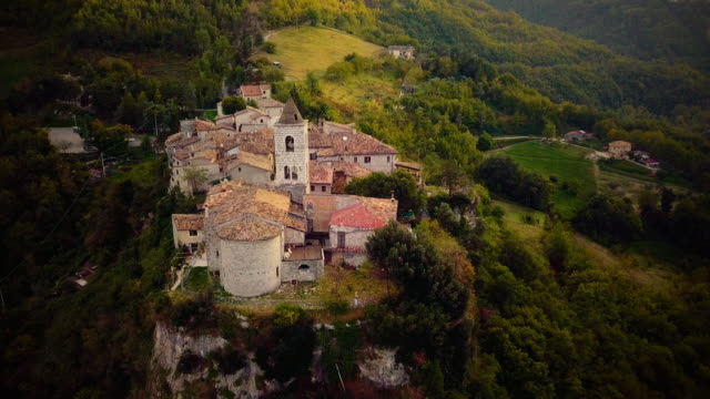 medieval old town village in italy - medieval architecture stock videos & royalty-free footage