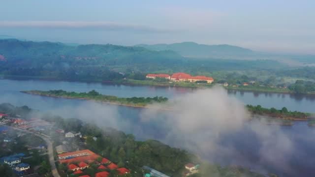 mekong river in golden triangle of thailand - burma home do стоковые видео и кадры b-roll