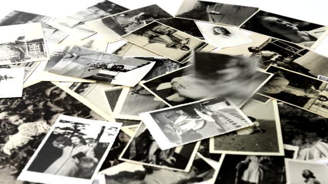 memories.black und weiß - fotografisches bild stock-videos und b-roll-filmmaterial