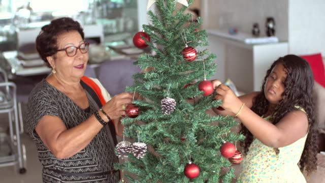 fröhliche weihnachten - weihnachtsstrumpf stock-videos und b-roll-filmmaterial