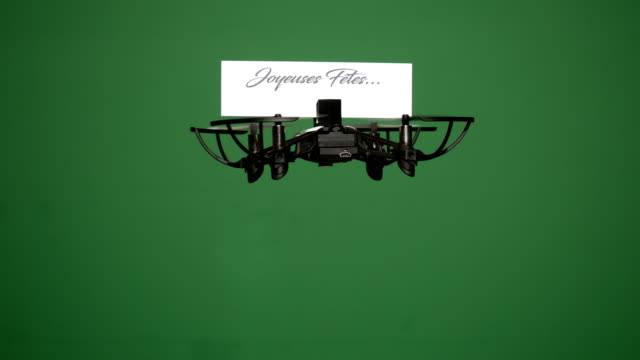 Message delivery by drone : season's greetings on a green screen, french version video