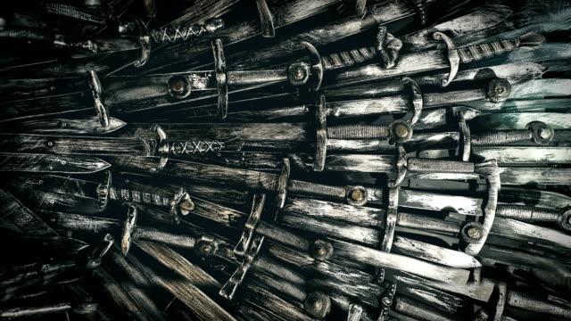 金屬騎士劍背景。關門了概念騎士。4k。 - sword 個影片檔及 b 捲影像