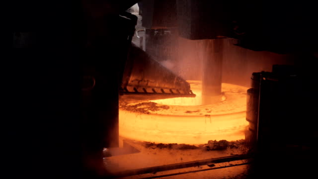 Metallurgy. The formation of the hot ring. video