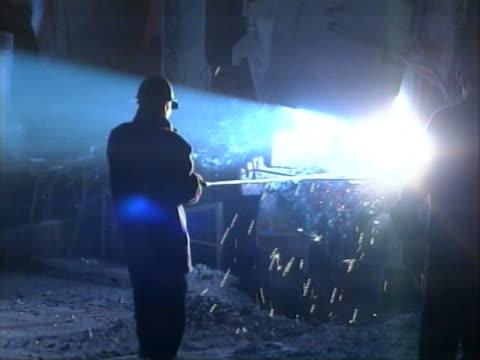 vídeos y material grabado en eventos de stock de metalurgia - aleación