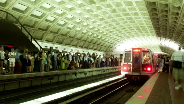 metro arrival timelapse video