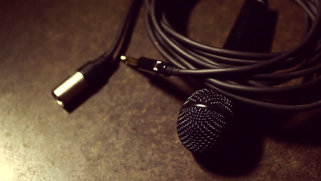 Microphone and cables video