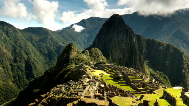 mid morning time lapse of machu picchu