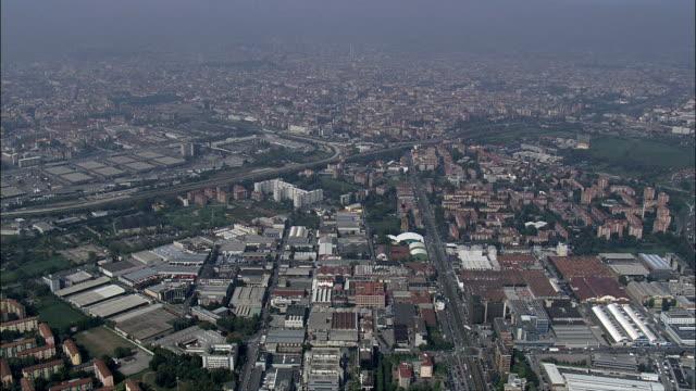 milano-vista aerea-lombardia, milano, italia - milan video stock e b–roll