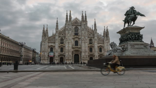 duomo di milano and piazza del duomo in milan - italian architecture stock videos & royalty-free footage