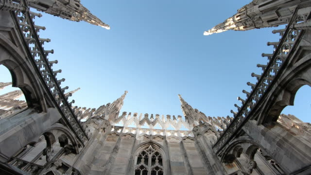 milan cathedral (duomo di milano ) - gothic architecture stock videos & royalty-free footage