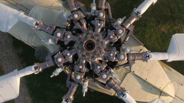 military helicopter view from above - śmigło filmów i materiałów b-roll