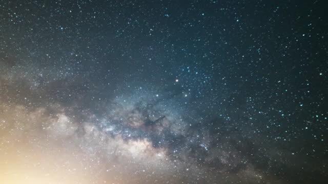 la via lattea galaxy - cielo stellato video stock e b–roll