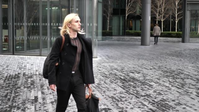 千年 trangender/ゲイマン - ロンドンのファッション点の映像素材/bロール