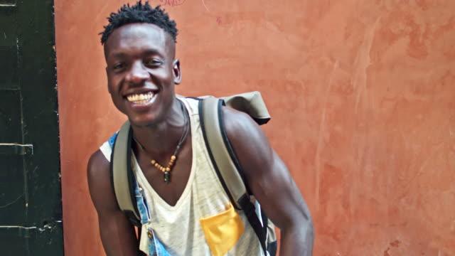 Milenaria joven africano - vídeo