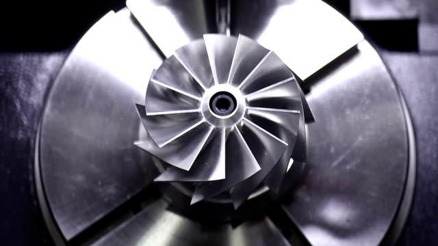 cnc milling machine polishing precise turbine - cnc maskin bildbanksvideor och videomaterial från bakom kulisserna