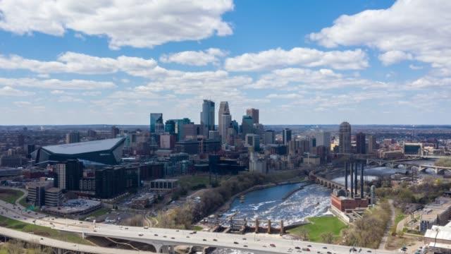 minneapolis cityscape time lapse - krajobraz miejski filmów i materiałów b-roll