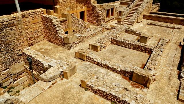 minoan palace of knossos, heraklion, crete, greece - mitologia video stock e b–roll
