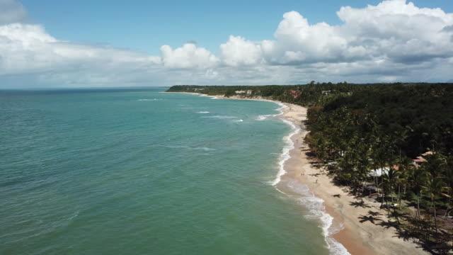 vídeos de stock, filmes e b-roll de mirror beach (praia do espelho) in trancoso, bahia state, brazil - nordeste