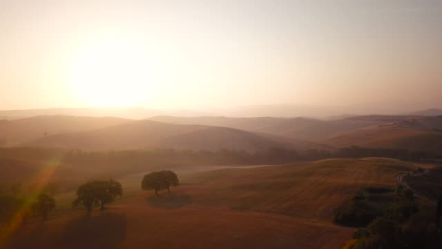 Misty morning in Val d'Orcia video