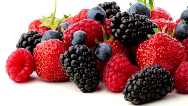 Assortiment de fruits rouges - Vidéo