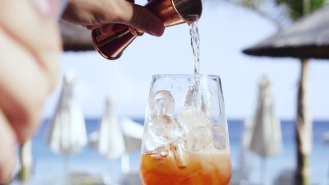mixing a cocktail, corfu, greece - alchol video stock e b–roll