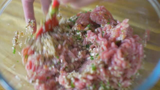 mixing pork mince for making dumpling video