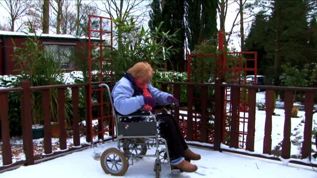 vídeos y material grabado en eventos de stock de accesible para personas con discapacidades motrices - deportes en silla de ruedas