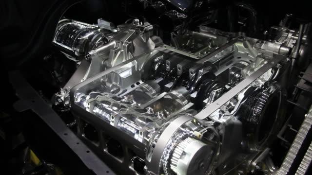 model of the working car engine - silnik filmów i materiałów b-roll