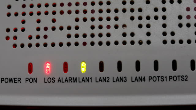 modem router equipment internet connection lost from server, red light blink warning wireless lan error - errore video stock e b–roll