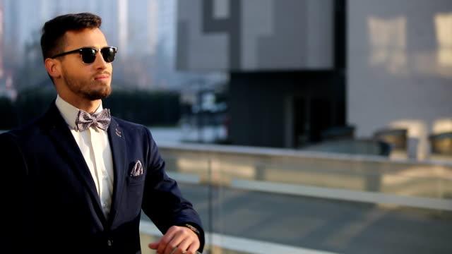 Homme d'affaires moderne - Vidéo