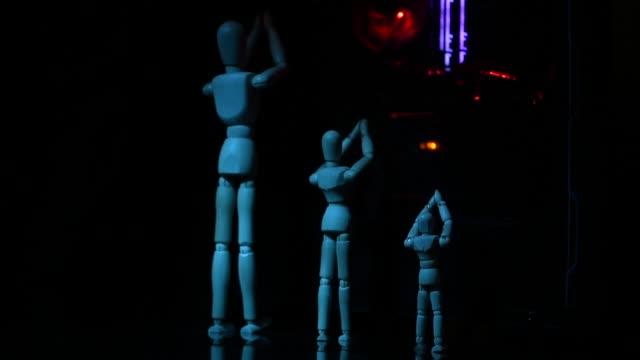 divinità moderna - rappresentazione umana video stock e b–roll