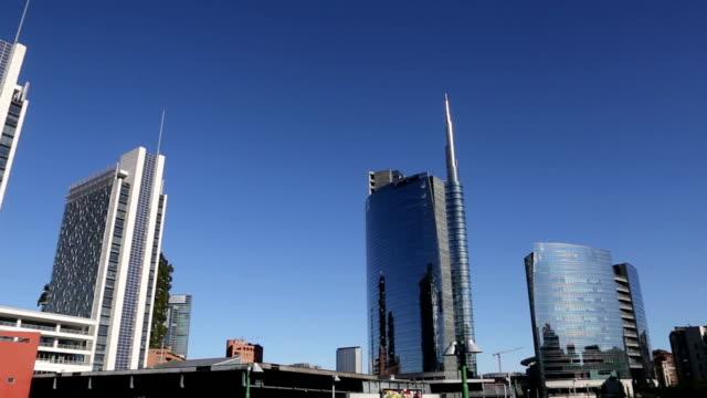 modern financial center in milan, italy - milan video stock e b–roll