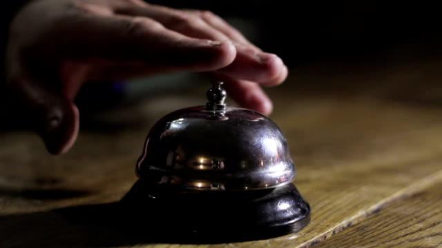 Comptoir de la réception moderne au bureau avec Bell - Vidéo