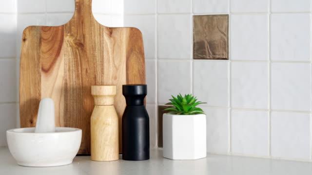 stockvideo's en b-roll-footage met moderne keuken detail-home decor - interior design
