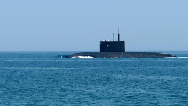 modern missile submarine - колонна стоковые видео и кадры b-roll